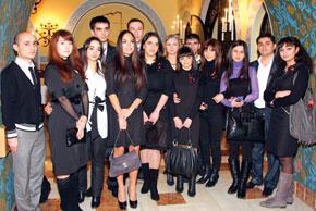 Leyla Aliyeva with members of the Azerbaijani Youth Organizationin Russia