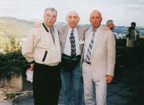 Lotfi Zadeh with his compatriots at the conference to mark his 80th birthday, Antalya, 2001