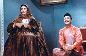 Arshin Mal Alan (1965). Talat Rahmanov (Vali), Najiba Malikova (Jahan khala)
