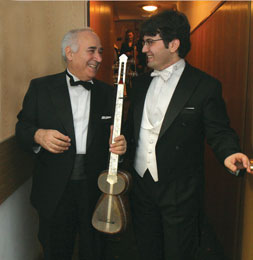 "Mstislav Rostropovich: ""Ramiz Quliyev´s performance is a miracle"" Liberation (France): ""He is the Paganini of the East"""