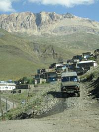 The road to Xinaliq