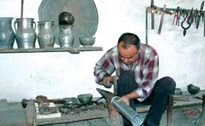 Metal working in Lahij