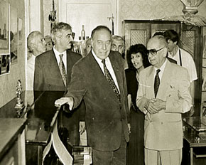 President Heydar Aliyev and the chief of the Azerbaijani Composers´Union, Tofiq Quliyev, at opening of composer and conductor Niyazi´s house museum, 1994