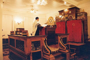 A Jew is praying in the Synagogue in Baku