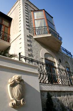 The restored Villa Petrolea