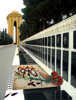 Martyr´s Avenue, where the victims of 20 January are buried. Baku