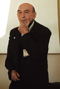 Professor Lotfi Zadeh during a lecture at the University of California, Berkeley
