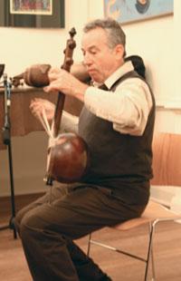 Jeffrey Werbock performs in London in 2007