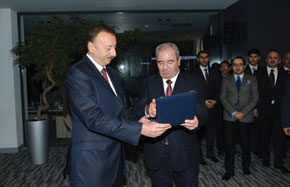 President Ilham Aliyev and the Minister of Communications and Information Technology, Ali Abbasov, at Azercosmos
