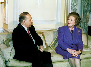 President Heydar Aliyev and Margaret Thatcher in discussion