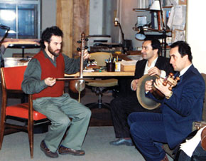 Rehearsing in Jeffrey´s office. Tar: Zamig Aliyev; nagara: Almas Quliyev. New York, March