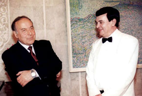 President Heydar Aliyev receives Muslim Magomayev, Baku, 1997