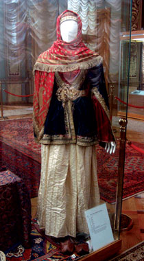 Sets of women's clothing. 19th century. Azerbaijan History Museum