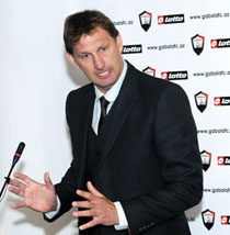 Tony Adams speaking at the presentation