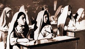 Women on anti-illiteracy courses. Tabriz, 1946