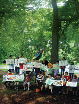 Diaspora children with their drawings, preparing for Azerbaijan Republic Day, Long Island, New York, 22 May 2010