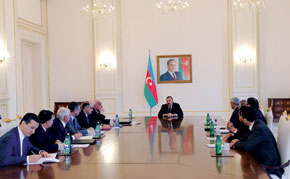 President Ilham Aliyev meeting SOCAR's leadership at the launch of the Umid Caspian Sea gas field. 24 November 2010