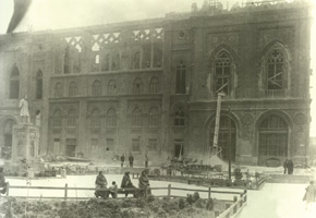 Ismailiyye building ruined during the March events in 1918. Photo: Vilkovski