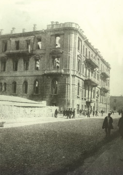 Nikolayevski street after the massacre in March 1918. Photo: Vilkovski