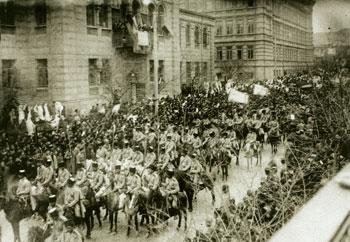 Azerbaijani Army in Baku´s Nikolayevski Street, 1919