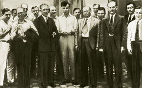 Lev Landau with the participants of the Conference on Theoretical Physics, Kharkov, Ukraine, 1934