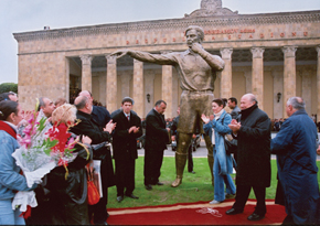 FIFA President Josef Blatter at the unveiling of Tofiq Bahramov's statue in Baku, 13 October 2004