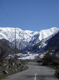 Road to Qamarvan