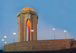 Martyrs' monument, Baku