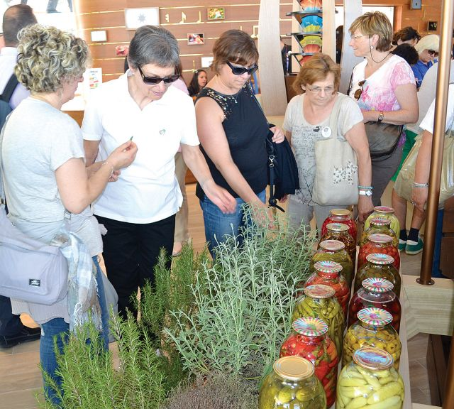 Visitors study traditional Azerbaijani spices