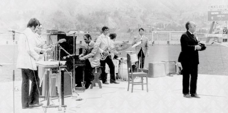 Stadium concert in Chile (L-R): Rovshan Rzayev (vibraphone), Yuriy Sardarov (guitar), Rafig Babayev (piano), Tofig Jafarov (bass guitar), Murad (accordionist), Yuriy Brunov (M.C.)