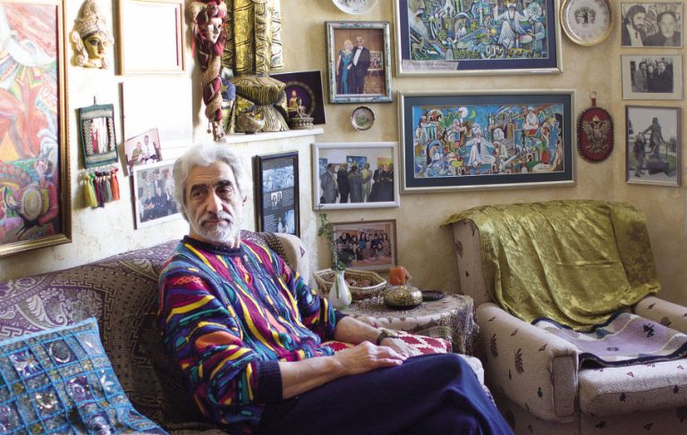 Ashraf Heybat at home