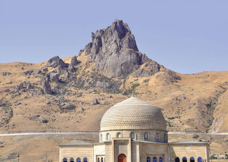 Besh Barmagh mountain