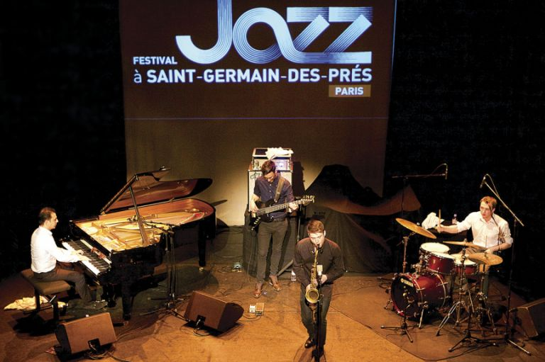Pianist Emil Afrasiyab performing at the Saint-Germain-des-Prés festival on 29 May 2016