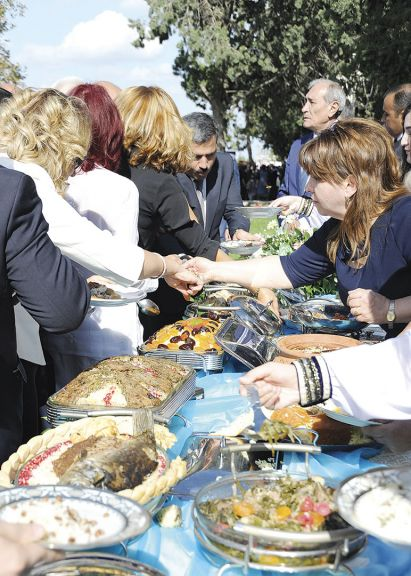Visitors enjoy Azerbaijani cuisine
