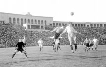 Neftchi take on Zenit Frunze during the USSR championship at the Lenin Stadium on 18 April 1954