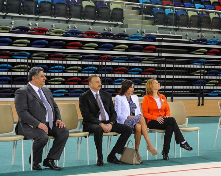 (From left to right) Azerbaijani Minister of Sport Azad Rahimov, President Ilham Aliyev, First Vice-President Mehriban Aliyeva and Head Coach of the Azerbaijan National Rhythmic Gymnastics Team Mariana Vasilevna during a test training session following the opening of the National Gymnastics Arena in April 2014. Photo: courtesy of Mariana Vasileva