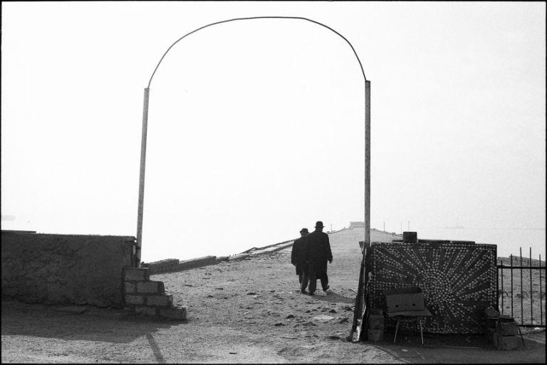 A scene from Baku's Seaside Boulevard, 2000. Photo: Sanan Aleskerov