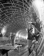 Working on one of the first tunnels. 15 September 1964. Photo: Azertaj